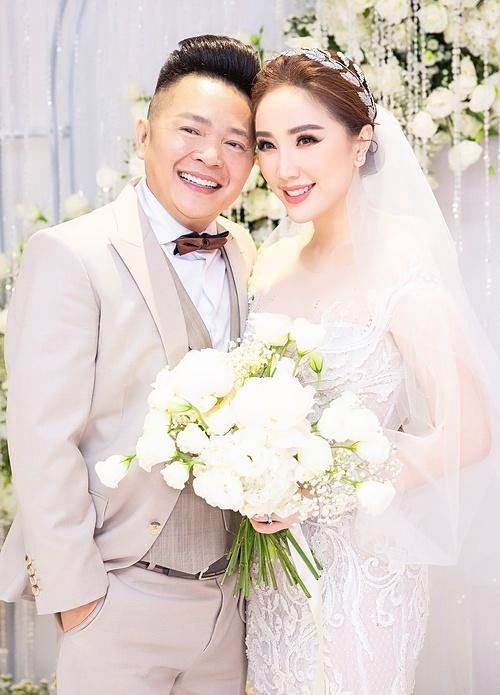 Bảo Thy bên ông xã Phan Lĩnh trong ngày cưới.