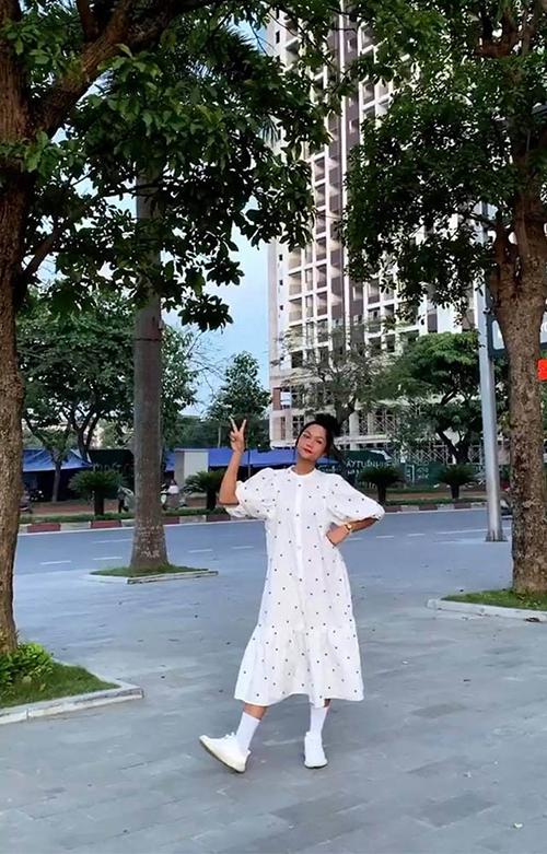 Sao Việt lăng xê mốt đầm bầu - 10