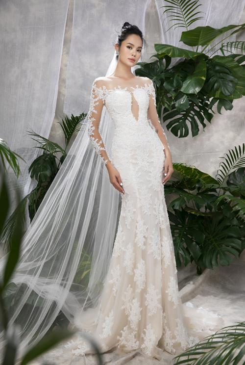 Ở bộ sưu tập váy cưới mùa hè, NTK Vĩnh Thụy đem tới những bộ đầm đuôi cá có những khoảng hở tạo hình tinh tế, mang tinh thần thời trang hiện đại.
