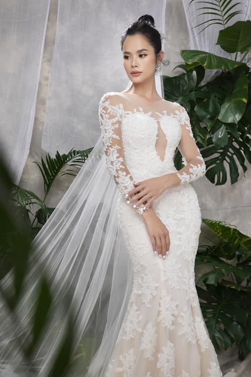 Mẫu váy cưới mang tên Eden được trang trí với chi tiết ren cổ điển, phù hợp với các cô dâu có nước da ngăm.