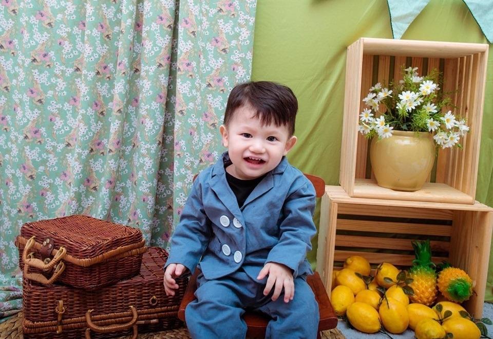 ít khóc, hay cười và là một chàng trai rất cá tính dù chỉ mới tròn 12 tháng tuổi.