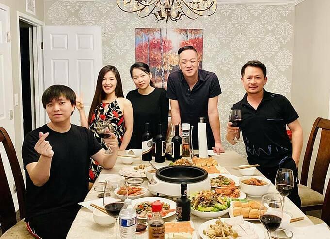 Hương Tràm tụ tập cùng ca sĩ Bằng Kiều và những người bạn tại Mỹ sau những ngày cách ly.