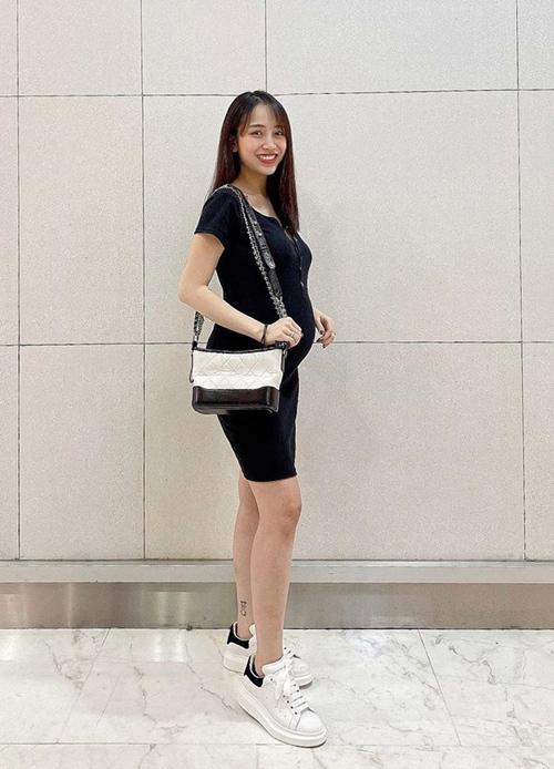 Loạt túi xa xỉ của con gái Minh Nhựa - 16