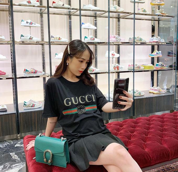 Loạt túi xa xỉ của con gái Minh Nhựa - 20