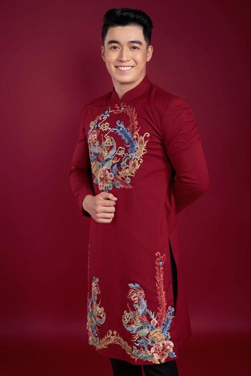 Bộ ảnh được thực hiện bởi nhiếp ảnh: Ngô Anh, trang điểm - làm tóc: Lý Minh, người mẫu: Gia Bảo - Thu Trúc, trang phục: Áo dài Minh Châu.