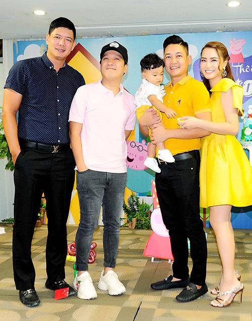 Bình Minh cũng tới chung vui cùng gia đình Hải Băng - Thành Đạt.