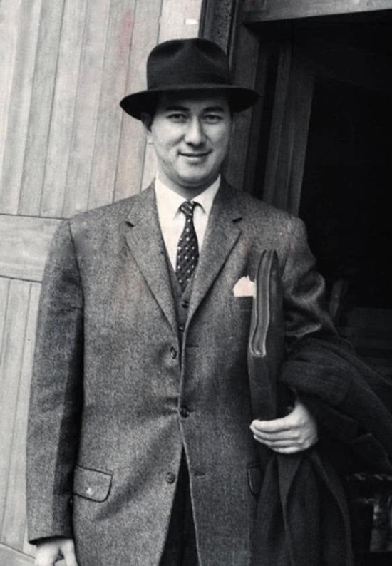 Vua sòng bạc Macau Stanley Ho khi ở độ tuổi 20. Ảnh: SCMP.