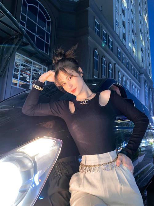 Thời trang bầu của 3sao Việt - 14