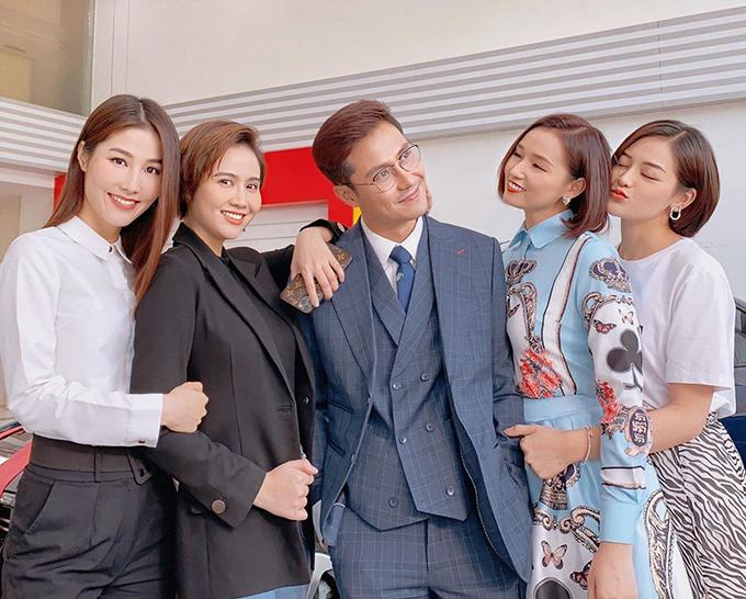 Không chỉ Diễm My, nhiều nữ diễn viên khác trong đoàn làm phim cũng yêu thích sự vui vẻ, hài hước của Thanh Sơn.