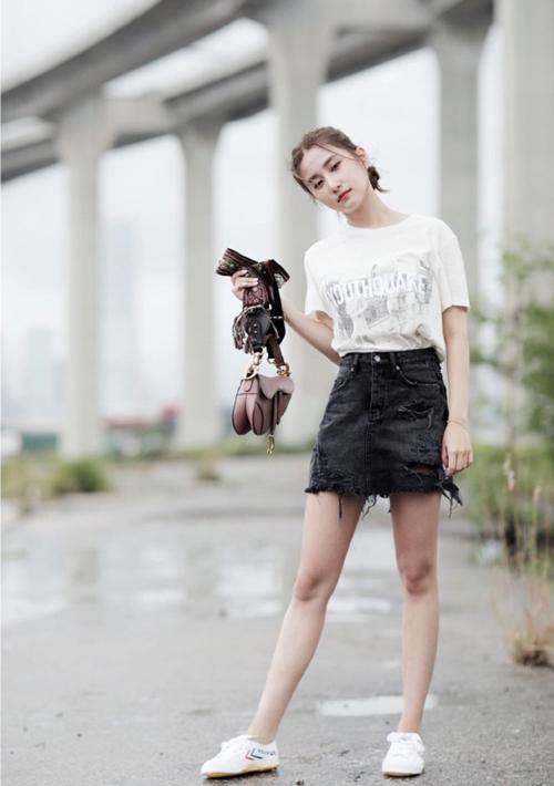 Con gáiVua sòng bạc Macau sành điệu với túi hiệu - 4