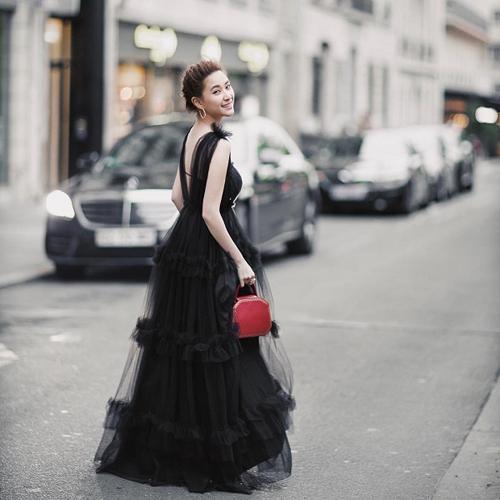 Con gáiVua sòng bạc Macau sành điệu với túi hiệu - 16