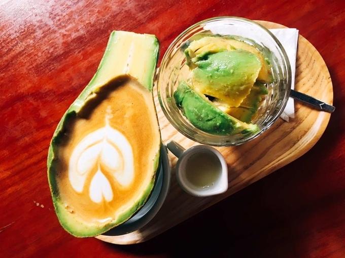 Một phần cà phê trái bơ. Ảnh Vi Yến