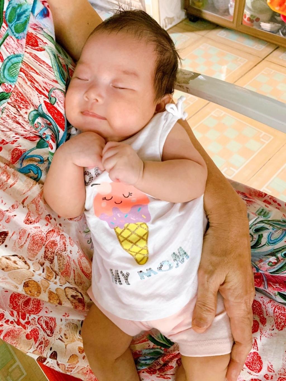 Công chúa Sydney đang mơ giấc mơ ngọt ngào.