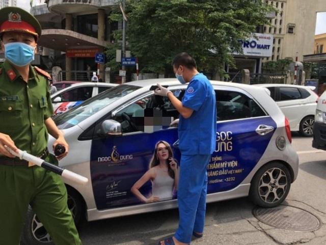 Tài xế taxi được phát hiện đột tử trên ghế lái.