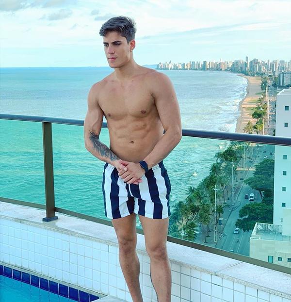Game thủ Tiago Ramos đăng ảnh chụp ở địa điểm gần nhà mẹ Neymar. Ảnh: Instagram.
