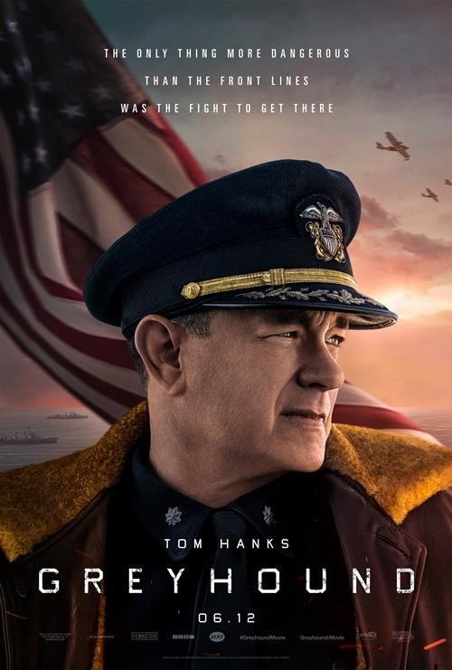 Trong phim chiến tranhChiến hạm thủ lĩnh,Tom Hanks vào vai thuyền trưởng chỉ huy con tàu chở hàng tiếp tế của quân Đồng Minh trong trận chiến Đại Tây Dương của Thế chiến 2. Hành trình này trải qua nhiều nguy hiểm trước sự xuất hiện của kẻ thù. Phim ra rạp từ 12/6/2020.