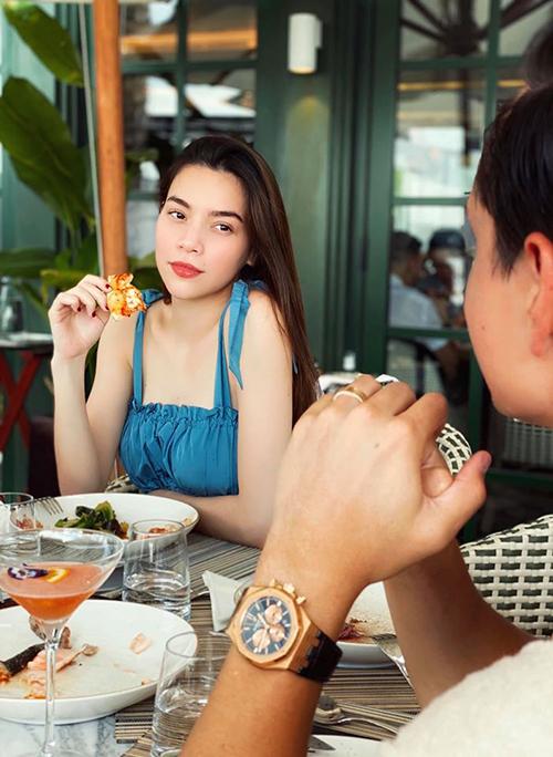 Hiện tại, Hồ Ngọc Hà đã bớt hoạt động để dành thời gian dưỡng thai. Thay vì đi du lịch xa, cô cùng Kim Lý và con trai Subeo thường xuyên nghỉ dưỡng tại các khách sạn sang trọng ở Sài Gòn. Nữ ca sĩ cũng quyết định chuyển nhà về gần trường học của Subeo để tiện đưa đón con.