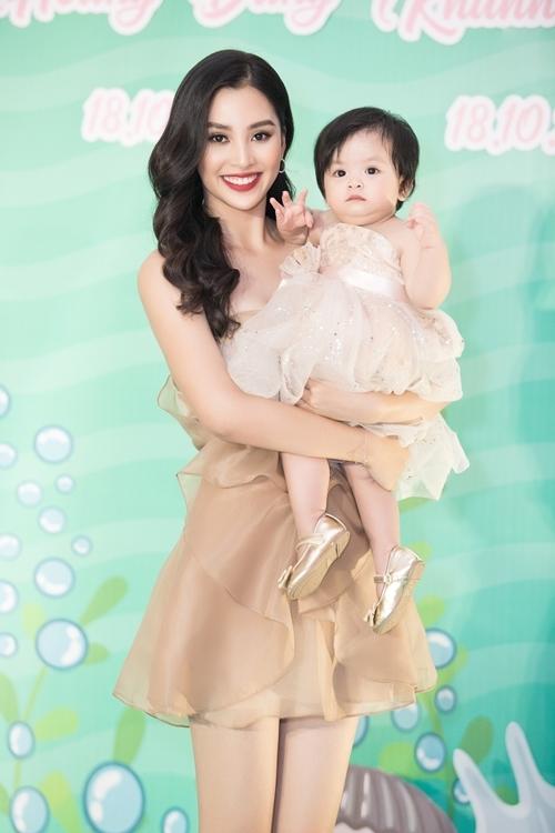 Con gái gần 2 tuổi của bà trùm hoa hậu Kim Dung - 8