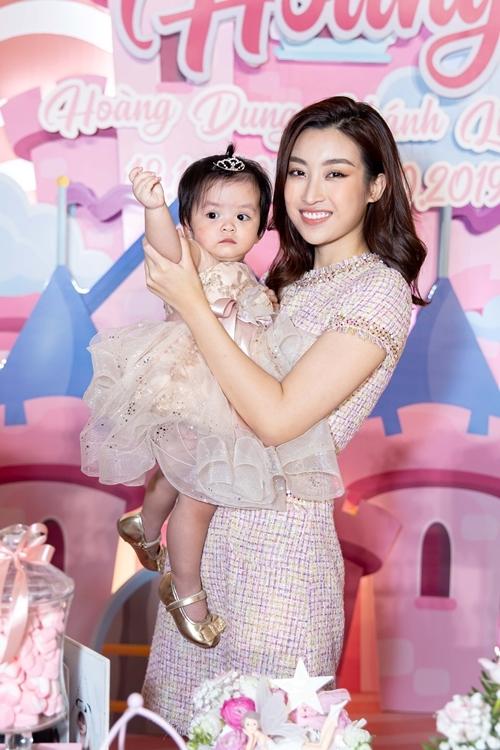 Con gái gần 2 tuổi của bà trùm hoa hậu Kim Dung - 6