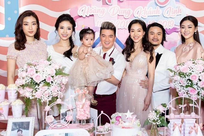 Con gái gần 2 tuổi của bà trùm hoa hậu Kim Dung - 4