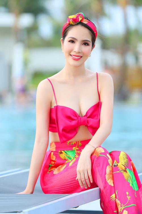 Dương Kim Ánh mặc đồ họa tiết khoe body - 6