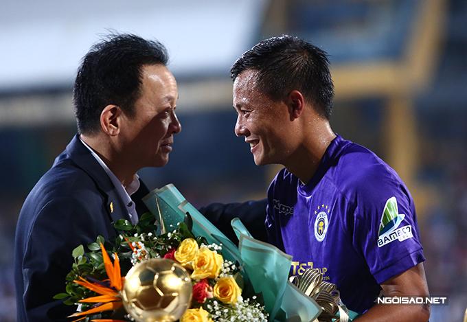 Thành Lương là cầu thủ sở hữu nhiều Quả bóng vàng Việt Nam nhất hiện nay (4 lần). Dù đã 31 tuổi, anh vẫn đóng vai trò quan trọng tại đội chủ sân Hàng Đẫy.