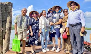Đại gia đình Hồng Phượng - Quốc Cơ vi vu Tiền Giang