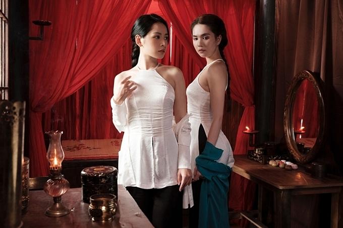 Ngọc Trinh (phải) và Chi Pu có mối quan hệ thân thiết ngoài đời. Nhận lời mời của Chi Pu vào MV mới, nữ hoàng nội y liền nhận lời, một phần cô vừa quý đàn em, một phần yêu thích diễn xuất.