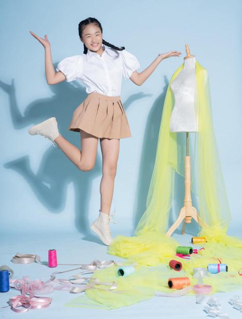 Trần Đỗ Bảo Kim gây chú ý khi tham gia cuộc thi Nhà thiết kế tương lai nhí. Cô bé 12 tuổi khiến giám khảo Võ Hoàng Yến bất ngờ với chiều cao 1,65 m và gương mặt, thần thái biểu cảm như người mẫu. Bảo Kim từng lọt vào top 7 cuộc thi Model Kid Vietnam 2020.