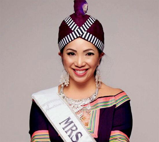 Kellie là người HMông đầu tiên tham gia cuộc thi Hoa hậu Quý bà Mỹ 2019. Cô là người gốc Lào, cùng gia đình di cư sang Mỹ từ khi còn bé.