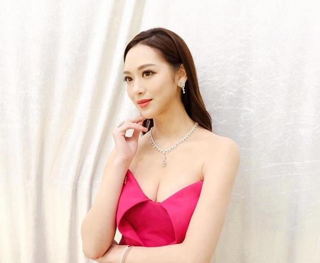 Hoa hậu Phùng Doanh Doanh.