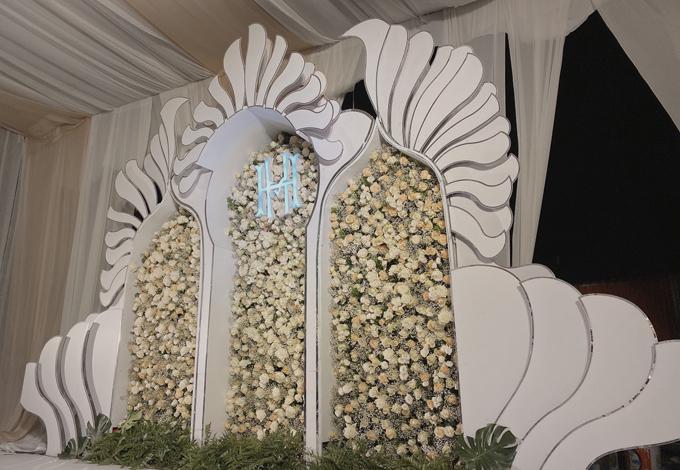 Khu vực photobooth dành cho cô dâu chú rể và khách mời chụp ảnh trước giờ nhập tiệc.