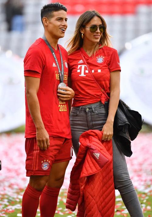 James Rodriguez và người đẹp Shannon de Lima bên nhau hai năm nay. Ảnh: Sun.