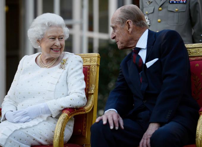 Nữ hoàng Anh và chồng, Hoàng thân Philip, vẫn hạnh phúc sau 73 năm chung sống. Ảnh: UK Press.