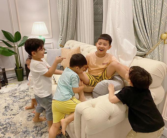 4 gia đình bỉm sữa của showbiz Việt hội tụ - 16