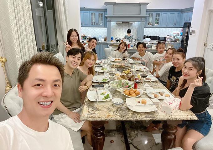4 gia đình bỉm sữa của showbiz Việt hội tụ - 18