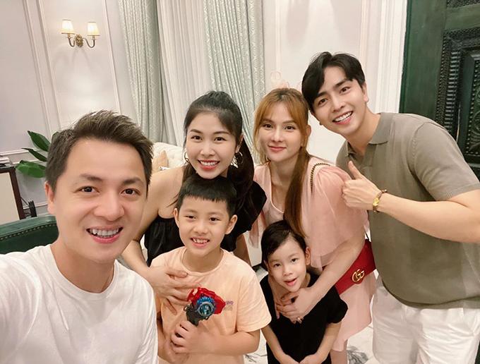 4 gia đình bỉm sữa của showbiz Việt hội tụ - 12