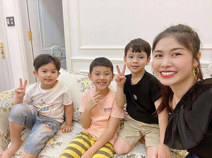 4 gia đình bỉm sữa của showbiz Việt hội tụ - 26