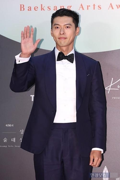 Hyun Bin lọt đề cử Nam diễn viên chính xuất sắc phim truyền hình với vai diễn quân nhân Bắc Triều trongHạ cánh nơi anh.Ngoài ra, anh được bình chọn nhiều nhất ở hạng mục Sao nam nổi tiếng nhất.