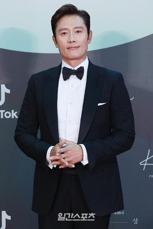 Tài tử Lee Byung Hun.