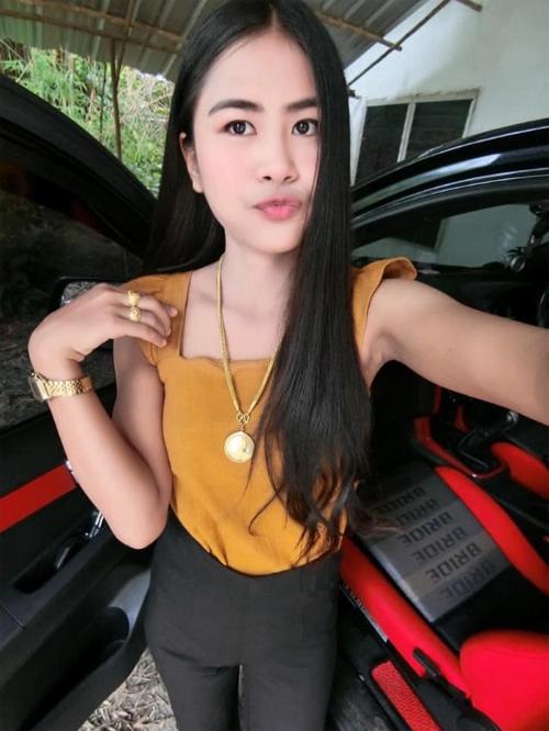 Yothika Kaewkham ở tỉnhChonburi, Thái Lan, trước khi bị dị ứng thuốc ibuprofen. Ảnh: Viral Press.
