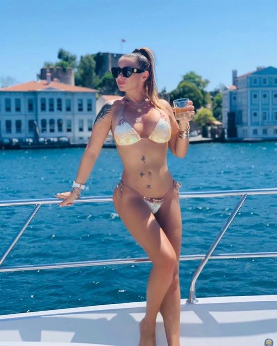 Trang cá nhân của cựu mẫu Playboy có hơn 653.000 người theo dõi. Ảnh: Instagram.