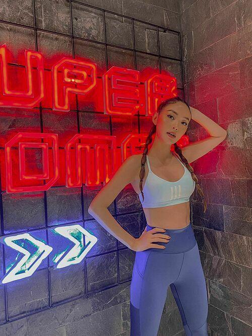 Ca sĩ Minh Hằng thừa nhận bị nghiện tập gym. Nhờ vậy cô thêm yêu bản thân hơn.