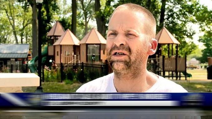 Troy, chồng của Christina, phát biểu sau cái chết của vợ. Ảnh: WNDU.com.