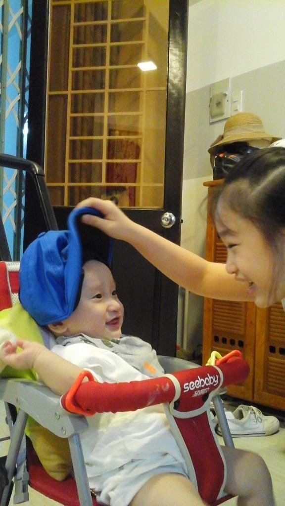 Trải qua biết bao khó khăn, con bố Nguyễn Văn Hiền phát triển khỏe mạnh, hiếu động.