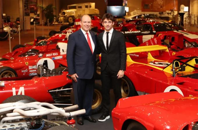Thân vương Albert khai mạc triển lãm 50 chiếc Ferrari quý hiếm nhất thế giới. Ảnh: AFP.