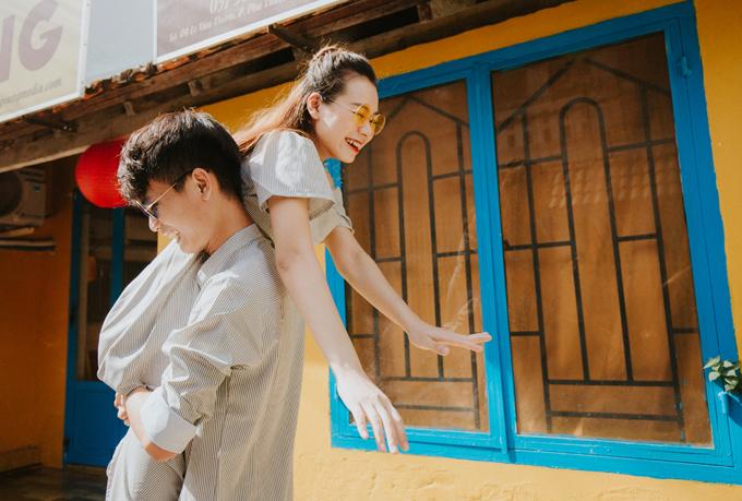 Uyên ương đã làm đám hỏi ngày 1/6, đám cưới ngày 5 và 7/6 tại quê nhà của cả hai.