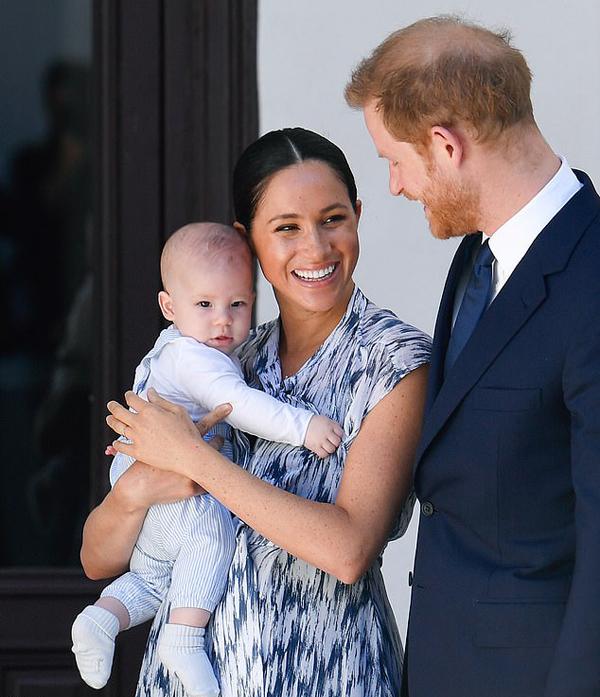 Gia đình Hoàng tử Harry, Meghan Markle và cont rai Archie trong chuyến công du Nam Phi hồi tháng 9-10/2019. Ảnh: PA.