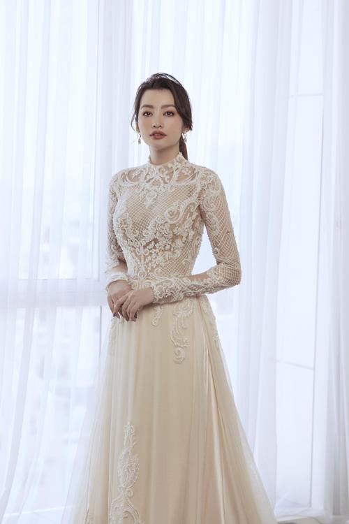 Trúc Diễm tiết lộ chị dành một tình yêu đặc biệt cho áo dài nên khi nhận được lời mời của Minh Châu, chị đồng ý ngay.