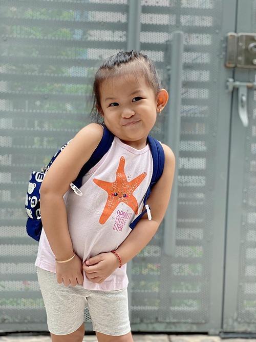 Con gái ca sĩ Lam Trường lí lắc đáng yêu và được nhận xét là cây hề của cả nhà.